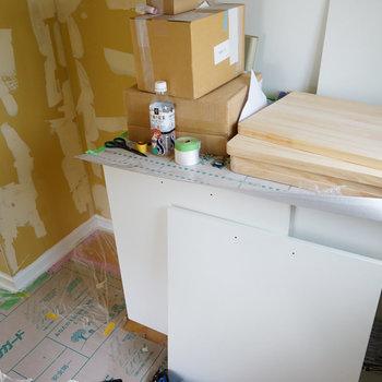 オリジナルキッチンも出来てきました!※写真は工事中です