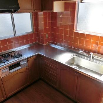 L字型のキッチン。しっかりと料理も
