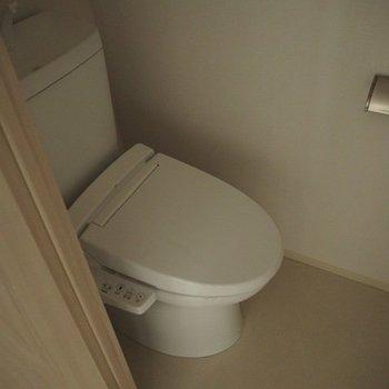 トイレです。※写真は別室、同タイプになります。