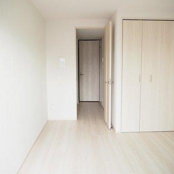 白いお部屋!※写真は別室、同タイプになります。