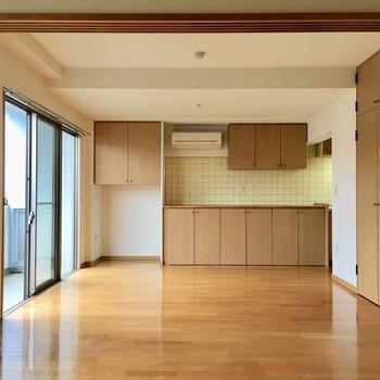 【LDK】広々〜※写真は3階の同間取り別部屋ものです