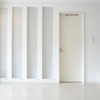 白と光を融合させていて、お部屋は明るい。