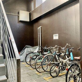 1階には駐輪場も付いています。