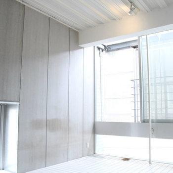 オシャレなデザイナーズマンション!※写真は3階の反転間取り別部屋のものです