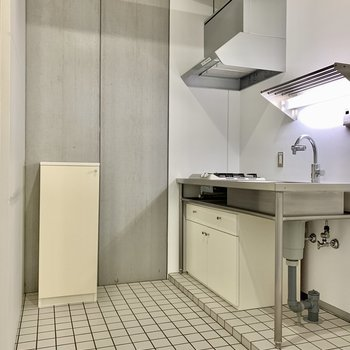 キッチンスペースはゆったり。