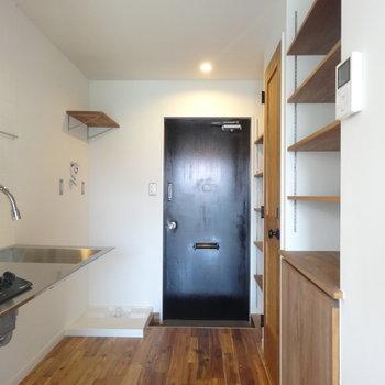 洗濯機と冷蔵庫は左側に置くイメージ