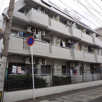 井尻駅から徒歩5分です。