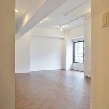 玄関からお部屋が見えちゃいます。※写真は前回掲載時のものです。