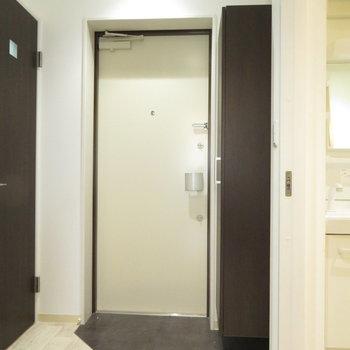 大きくはないけどいい大きさの玄関