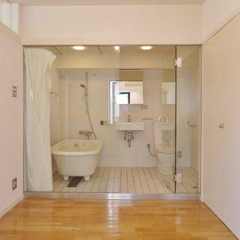 このバスルーム、1UP