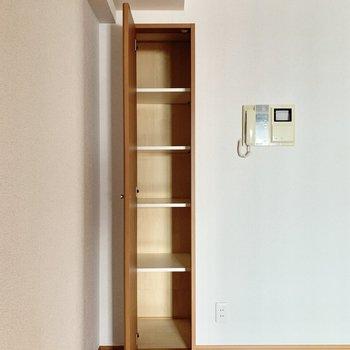 【LD】ちょっとした収納も便利なんです。※写真は3階の同間取り別部屋のものです
