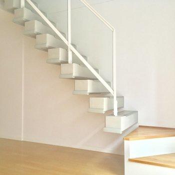階段オシャレですね〜※写真は前回募集時のものです