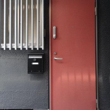 こちらが玄関です