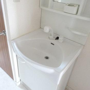 洗面台の形、面白いな。
