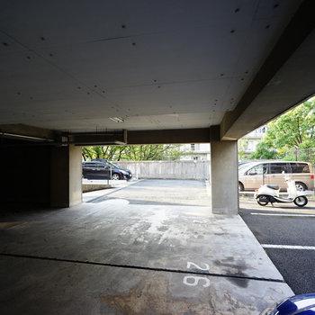 駐車場もしっかりしてます!