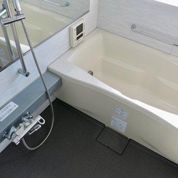 大きい追い炊き付きのお風呂!