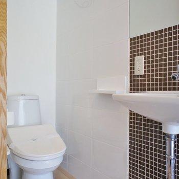 サニタリー、トイレは洗浄便座