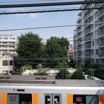 電車を眺めて。。