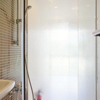 シャワーブースでお掃除らくちん