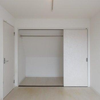 洋室にはウォークインが※写真は別部屋です、間取り図をご確認下さい。
