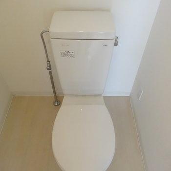 トイレはウォシュレットなし※写真は別部屋です、間取り図をご確認下さい。