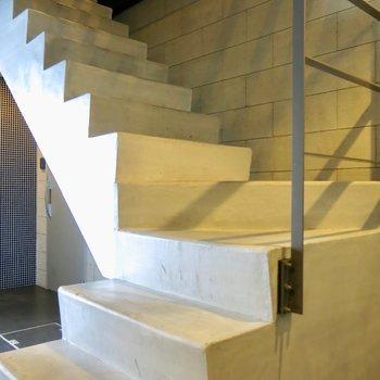 共有部の階段!可愛い※写真は前回募集時のものです