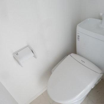 トイレにはウォシュレット完備です。