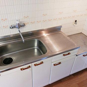 シンクも広い!でも洗い物は溜めすぎないようにしなきゃなあ。