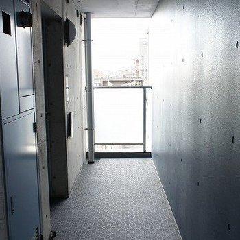 カッコイイ共用廊下(写真は前回募集時のものです。ご了承ください。)