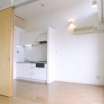 広いワンルームとしても使えます。※写真は603号室です(写真は前回募集時のものです。ご了承ください。)