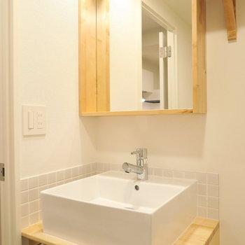 洗面台は造作の可愛いものを※イメージ写真です