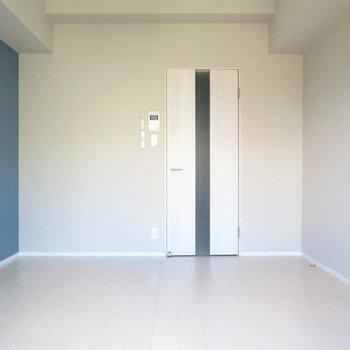 シンプルな形のお部屋