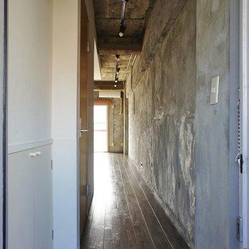 玄関、小さなシューズボックスも※写真は前回募集時のものです。