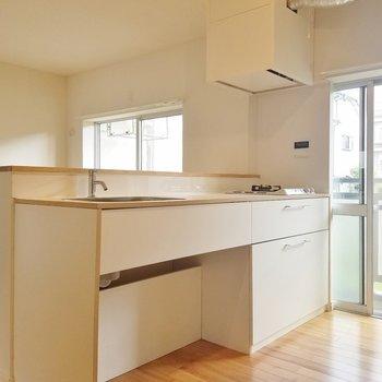 キッチンも白で統一っ! ※写真は前回募集時のもの。