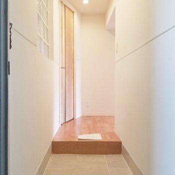 玄関もまずまずの広さ。 ※写真は前回募集時のもの。