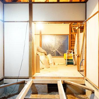 床も取っ払い、新しく◎※写真は工事中です