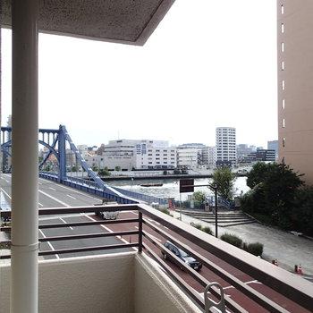 隅田川と優美な橋を眺める毎日