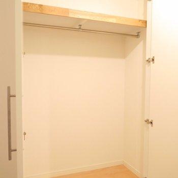 扉付きのクローゼットもあります※写真はイメージ
