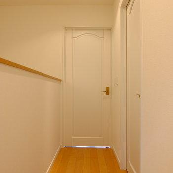 3階部分です!手前の扉を開けましょう!