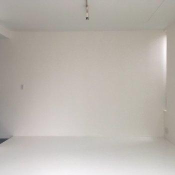 白いお部屋※電気がつきませんでした。※写真は別部屋
