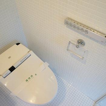 トイレはウォシュレットでタンクレス♪※写真は別部屋です