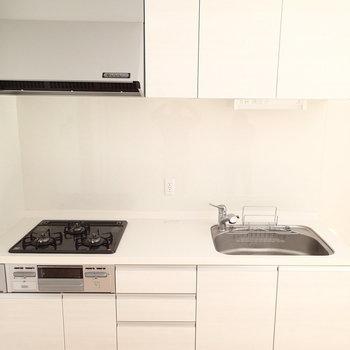キッチン清潔感ありますね。