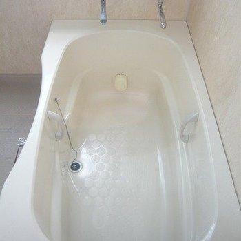 蛇口の片方から温泉でます。浴槽でリラックス。