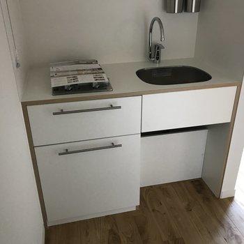 キッチンは2口でデザイン性も高いです!※写真は前回募集時