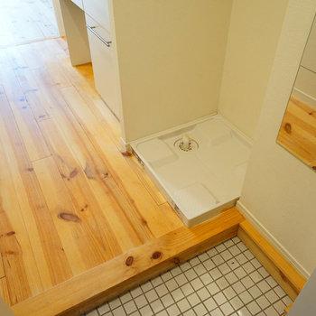 玄関横に洗濯パンを。※写真は前回募集時のもの