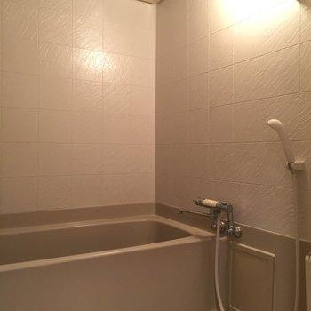 お風呂は建設当時の面影が残っている気がします