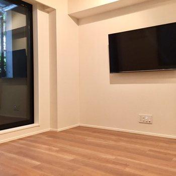 ※写真は別室です。2階なのでさらに明るいですよ!