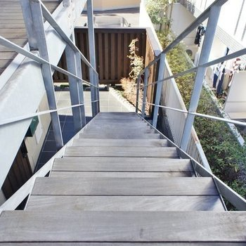 木の階段、いいですね!