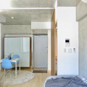 コンクリがクール※写真は3階の同間取り別部屋、モデルルームのものです