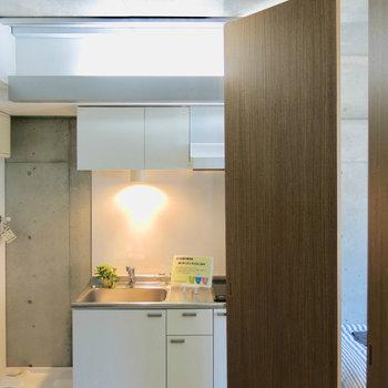 こうして....※写真は3階の同間取り別部屋、モデルルームのものです